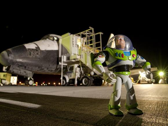 Buzz se vratio na Zemlju
